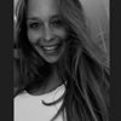 Larissa zoekt een Studio / Appartement / Huurwoning / Woonboot in Rotterdam